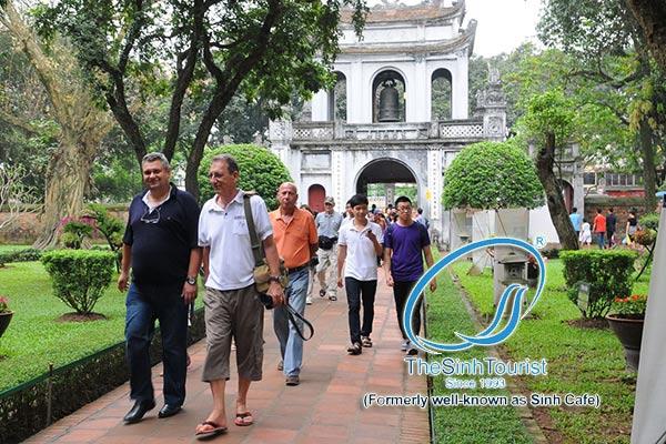 Tour du lịch Hà Nội 1 ngày văn miếu quốc tử giám